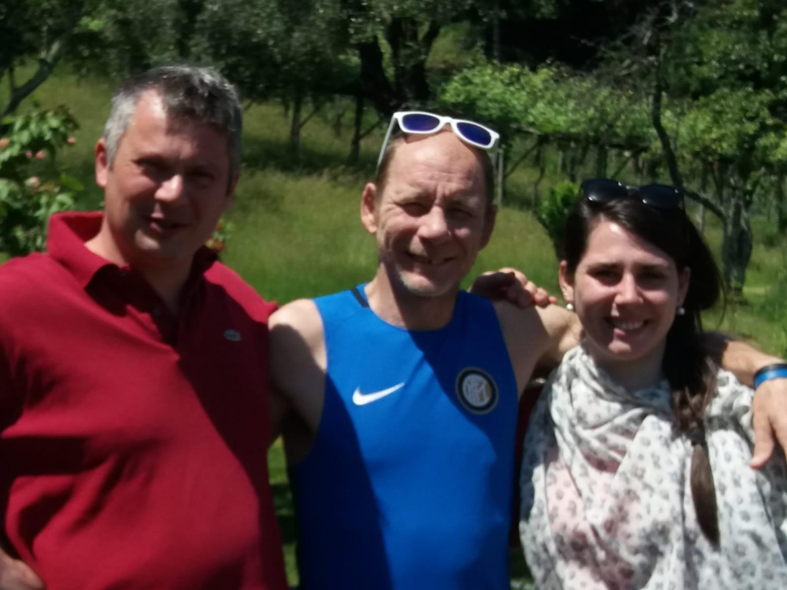 Andrea Danielli (middle) with his two rescuers, Andrea Vercesi (left) and Silvia Vercei (right).